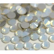 Кристалы White Opal ss3 для маникюра, 100 шт